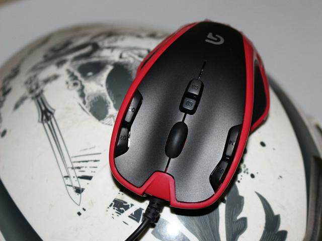 G300s_Red_05.jpg