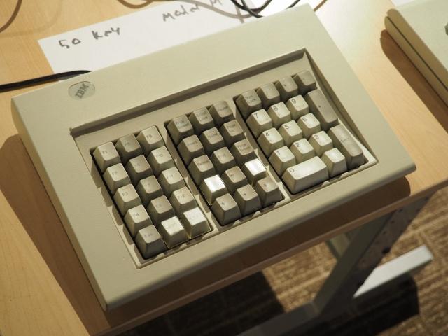 Keyboard_Meeting_04.jpg