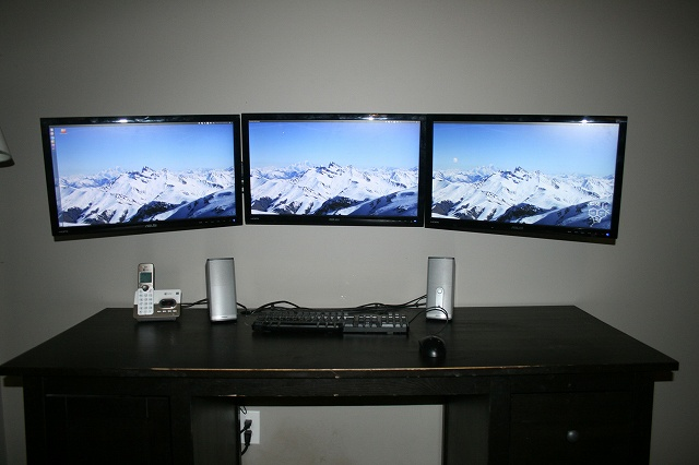 PCdesk_MultiDisplay40_29.jpg