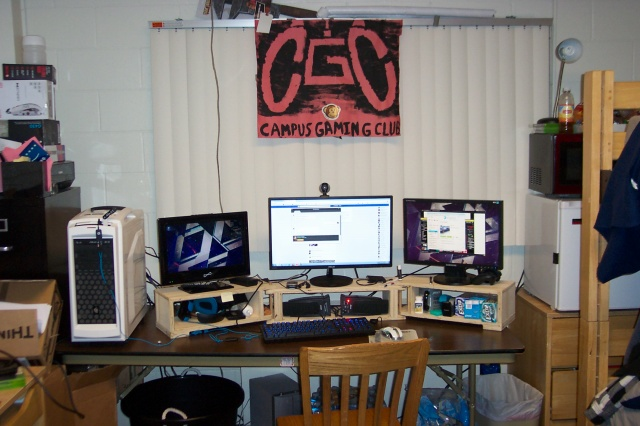 PCdesk_MultiDisplay42_25.jpg