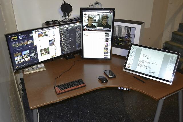 PCdesk_UltlaWideMonitor3_07.jpg