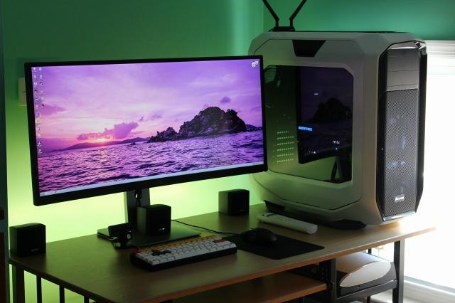 PCdesk_UltlaWideMonitor4_45.jpg