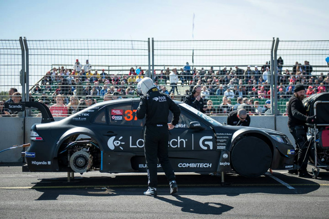 PWR_Racing_Team_Logitech_04.jpg