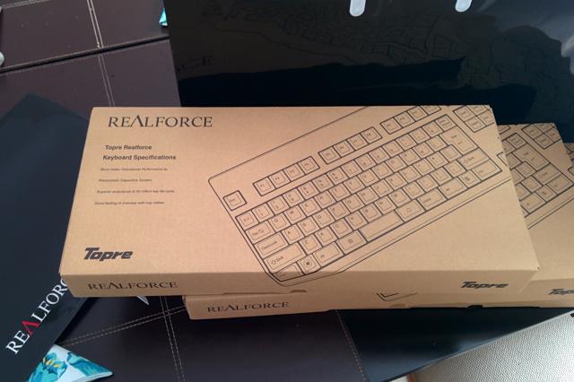 REALFORCE108UW-HiPro_03.jpg