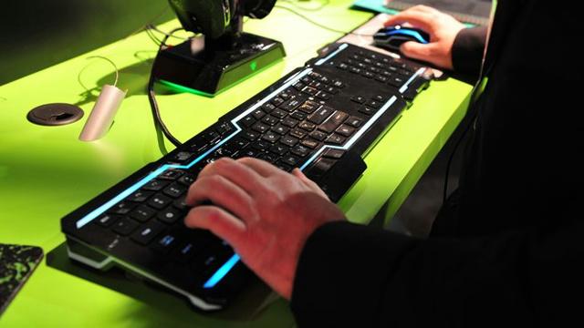 ShowByRock_Keyboard-Mouse_04.jpg