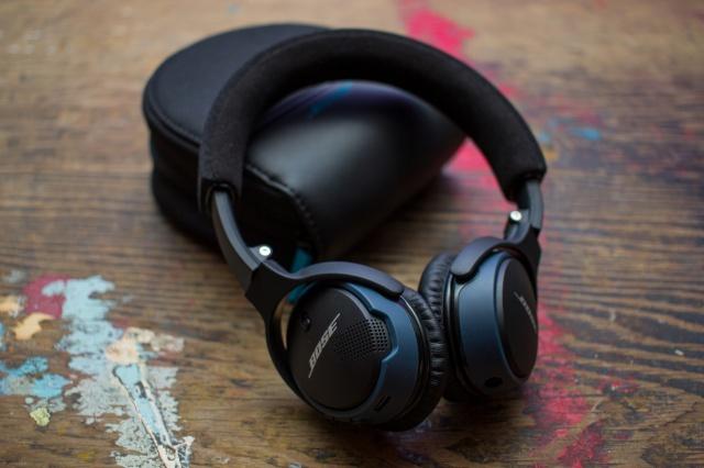 SoundLink_on-ear_Bluetooth_02.jpg