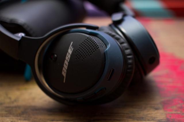 SoundLink_on-ear_Bluetooth_03.jpg