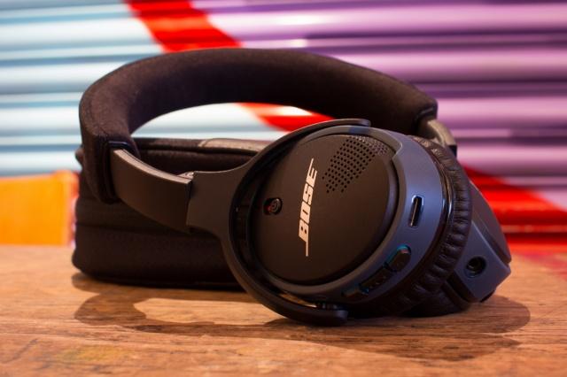 SoundLink_on-ear_Bluetooth_08.jpg