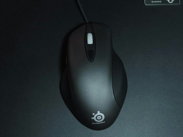 SteelSeries_Ikari_04.jpg