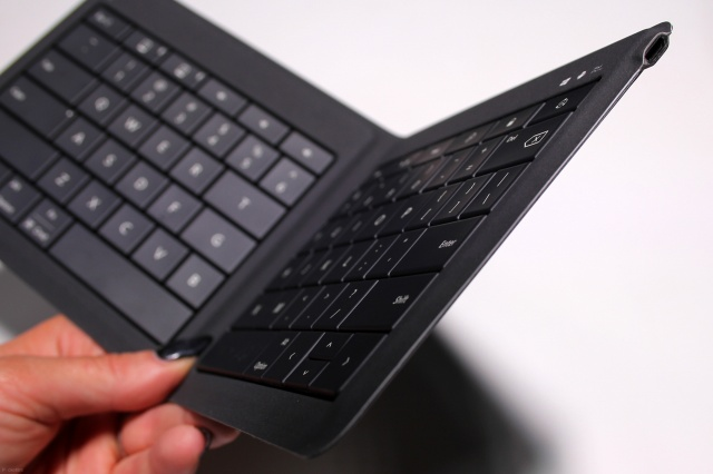 Universal_Foldable_Keyboard_05.jpg