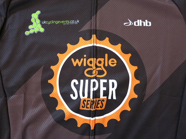 dhb_Wiggle_Super_Series_Jersey_08.jpg