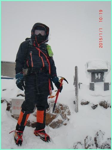 025 赤岳山頂
