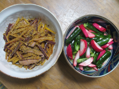 人参と椎茸のキンピラ・胡瓜とカブの酢漬け