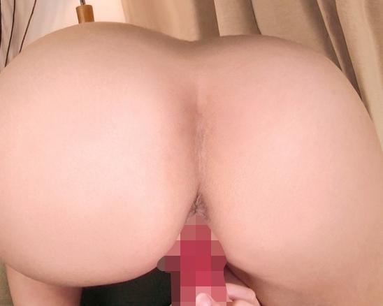 関西弁のデカ尻娘がニーハイソックスでいやらしい足コキ抜きの脚フェチDVD画像3