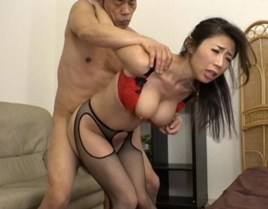 ムッチリと卑猥なエロBODY女秘書が枕営業で着衣中出しSEXの脚フェチDVD画像5