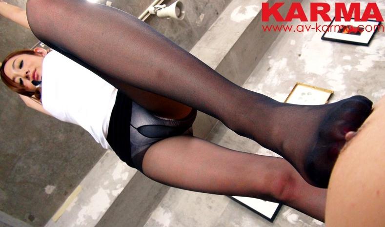 お色気ムンムン!セックスができる黒パンストエロ整体院の脚フェチDVD画像1