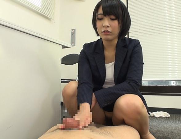 ドエス女刑事が取り調べ中に足コキ責めや小便責めで逆レ●プの脚フェチDVD画像5