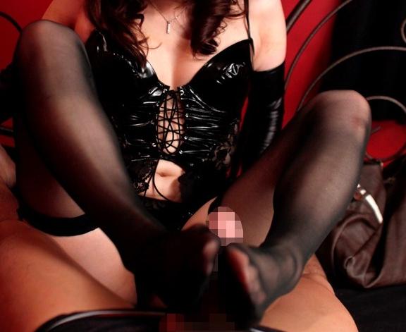 女王様のドエス言葉責めとガーターストッキング脚コキの脚フェチDVD画像1