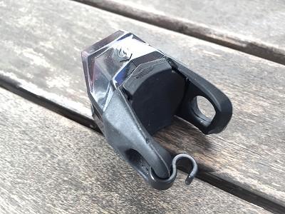 ブラックバーンのLEDテールライト電池交換