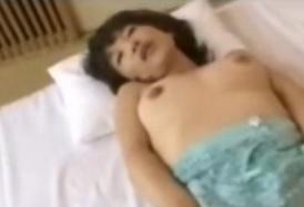 王崎詩織 50歳の熟女が中出しセックス 五十路