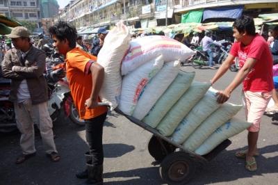 PhnomPenh201412-620.jpg