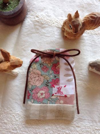 サプライズのお守り袋