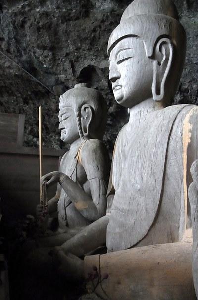 龍岩寺奥院・三尊仏