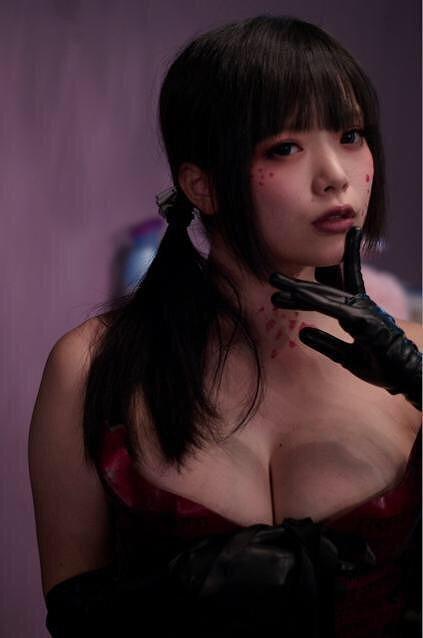 赤根京Gカップ美巨乳ヌード画像2b06.jpg