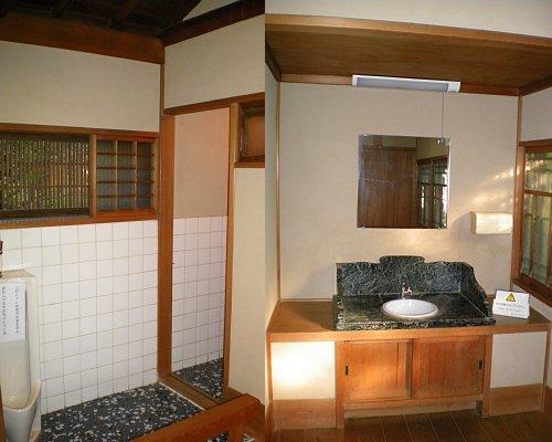 旧朝倉家住宅・1F便所