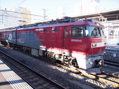 EH500-61 牽引の高速貨物B 2095レ