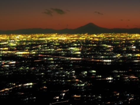 夕闇の富士山【筑波山からの夜景】
