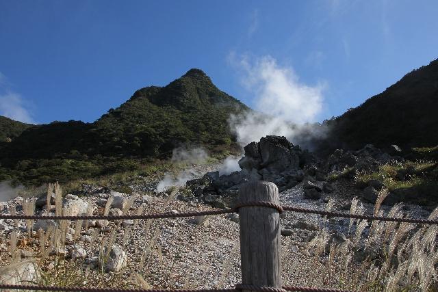 【箱根山】大涌谷、噴火警戒レベル「1」に引き下げられ、現在は噴火前の落ち着きを取り戻す