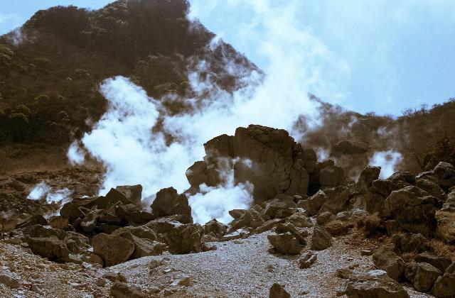 【箱根・大涌谷】火山活動が鈍化傾向…通行規制と避難指示を解除