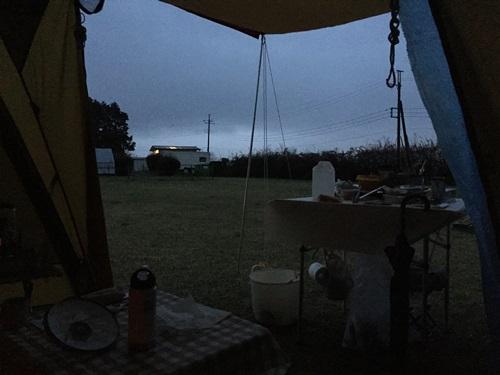 キャンプ20