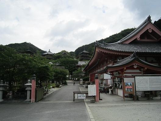 壺阪寺全景