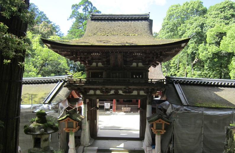 石上神宮楼門