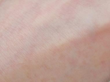 マスカラも簡単に落として 毛穴汚れスッキリ、しっとり潤い透明感肌【ジュエルスキン クレンジングバーム】