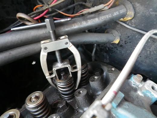 v8エンジンバルブ周り (11)