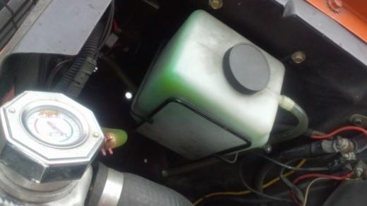 ラジエター液漏れ (5)