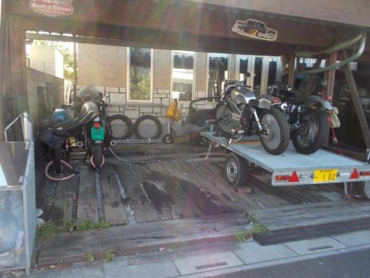 バイク積み込み (2)