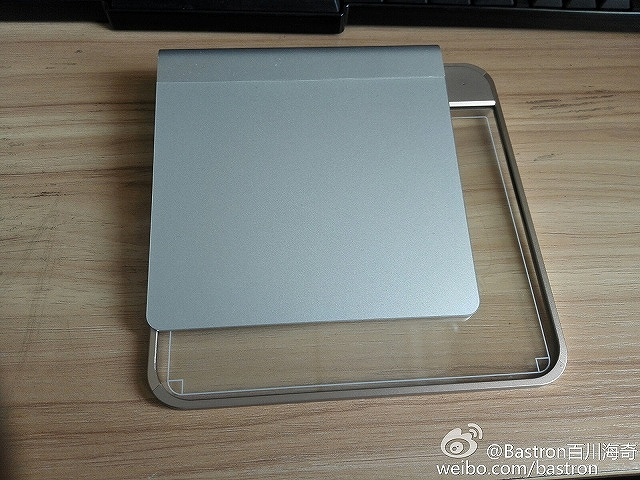 Bastron_TouchPad_02.jpg