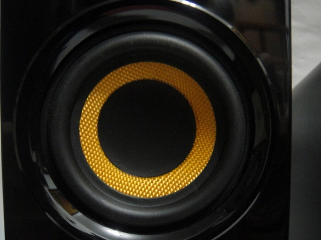 Creative_T30_Wireless_13.jpg