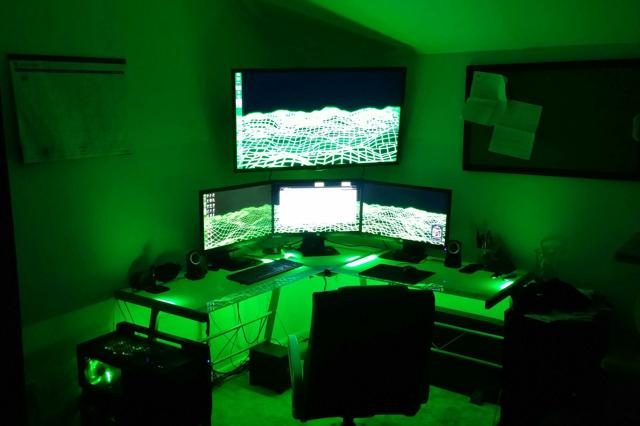 PCdesk_MultiDisplay41_21.jpg