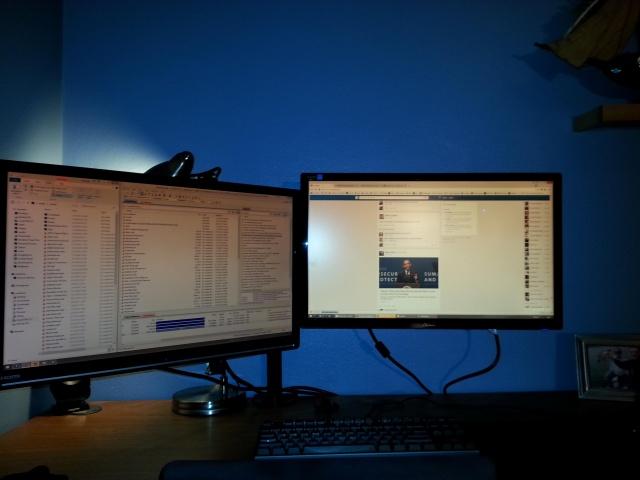 PCdesk_MultiDisplay43_07.jpg