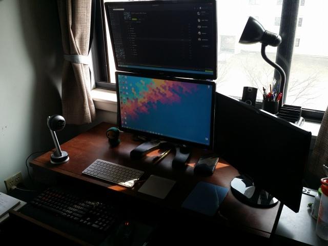 PCdesk_MultiDisplay44_68.jpg