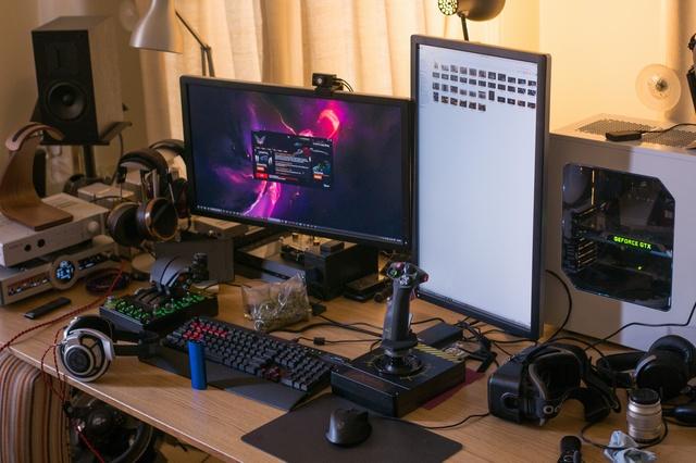 PCdesk_MultiDisplay45_26.jpg