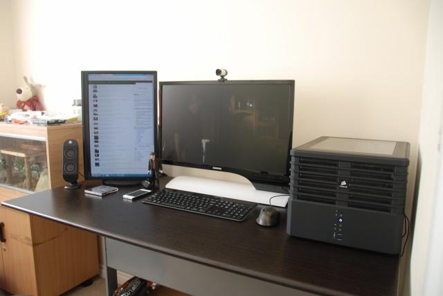 PCdesk_MultiDisplay45_34.jpg