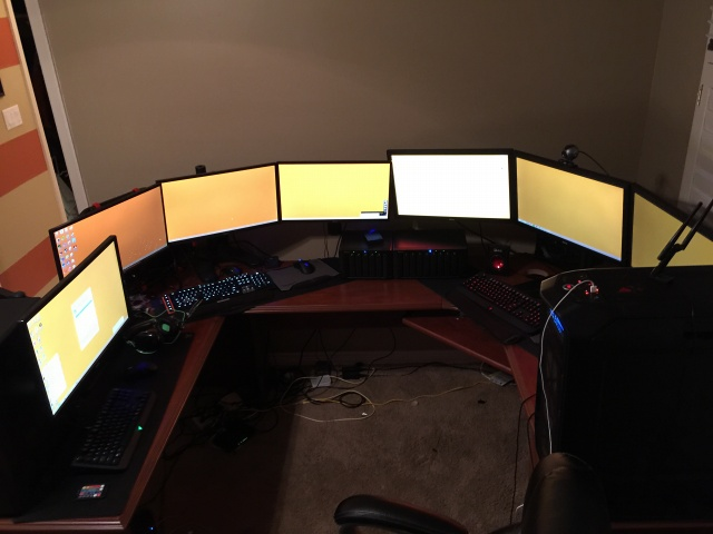 PCdesk_MultiDisplay49_99.jpg
