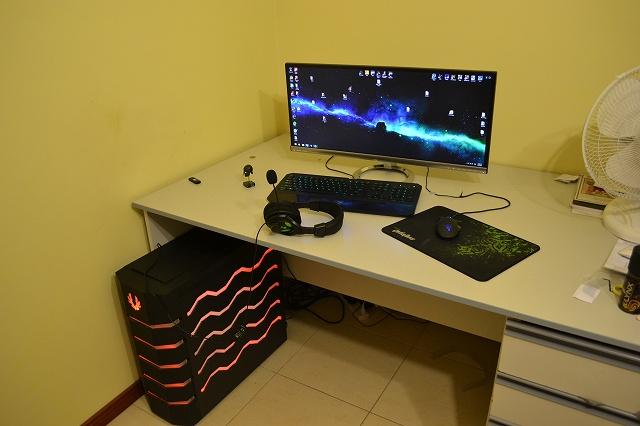 PCdesk_UltlaWideMonitor3_52.jpg