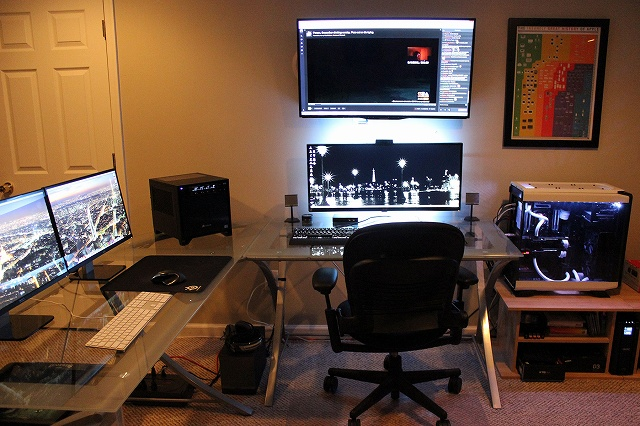 PCdesk_UltlaWideMonitor3_68.jpg